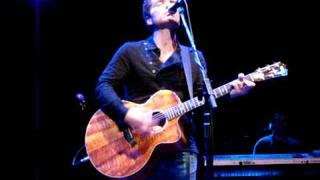 "Richard Marx ""Right Here Waiting"" Newsapalooza"
