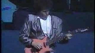 Robert Palmer - Addicted To Love (Live)