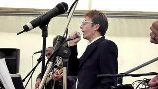 Robin Gibb - Massachusetts - Live 2011 @ The Prebendal HD