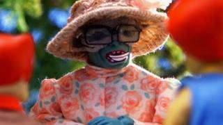 Robot Chicken: Mumm-Ra is Mrs. Mumbletipeg