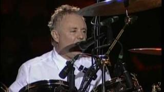 Roger Taylor - Drum Solo + I'm in love with my car (Santiago 2008)