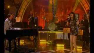Sandie Shaw - Long Live Love (Jools' Annual Hottenanny, 31st December 2011)