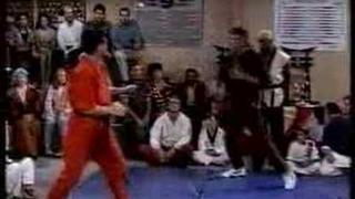 """SASHA MITCHELL en """"Paso a Paso"""" [TV, 1991-1998]"""