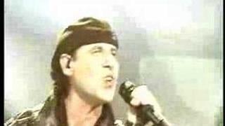 Scorpions - Rock You Like A Hurricane (Moment Of Glory)