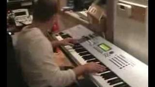 Scott Storch Making A Beat In The Studio