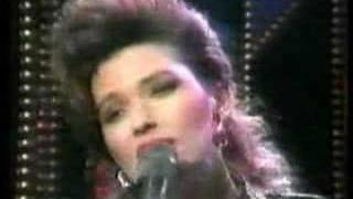 Shania Twain - Lay A Whole Lotta Love On Me