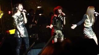 SHE-Superstar (Live)