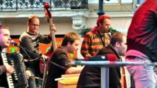 SILVAYOVCI live - Sklíčka & Get down on it