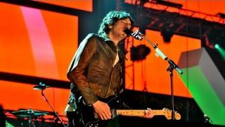"Snow Patrol perform ""This Isn't Everything You Are"" - Children in Need Rocks Manchester - BBC"