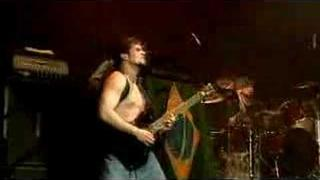 Soulfly - Roots Bloody Roots (Live)