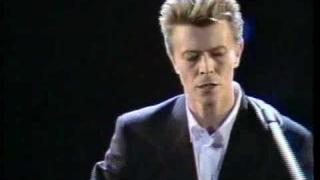 """Space Oddity"" - David Bowie, Sound & Vision Tour (1990)"