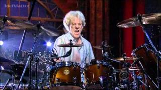 Stewart Copeland - Drum Solo (2nd Week) - David Letterman 8-24-11