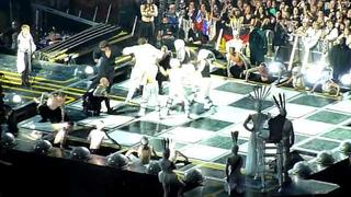 Take That - Dance battle Jason Orange and Howard Donald @ Amsterdam Arena