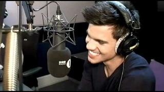 Taylor Lautner plays Truth or Dare with Fearne Cotton
