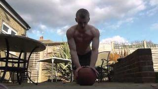 Teen Bodybuilder Outdoor Abb and Tricep workout!