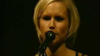The Cardigans - Lovefool (Live in London 1996)