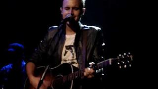 The Fray (Joe King) live, singing 'ungodly hour'