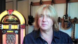 The Gibson Video Interview: Joe Elliott