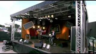 The View - Kyle interviewed at T In The Park & acoustic version 'Covers' with Reni & Kyle