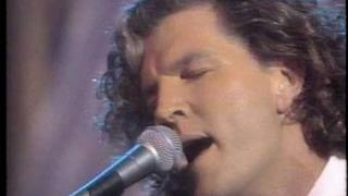 Tim Finn & Crowded House - Not Even Close (unplugged 1990)