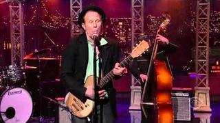 "Tom Waits - ""Lie to Me"" (Late Show with David Letterman, November 2006)"