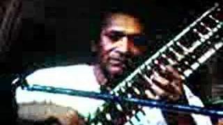 Tuning Sitar with Ravi Shankar - Ustad Rakha - Ustad Khan