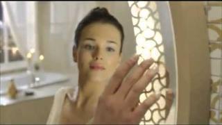 turecký herec a model Serkan Cayoglu v reklamně :)