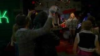 "Ugly Betty - Amanda sings a song ""Gene Simmons is my daddy"""
