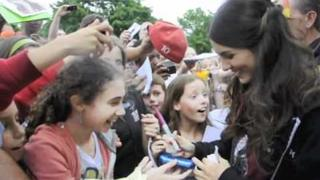 "Victoria Justice Meets Fans on ""Fun Size"" Set"