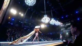 Victoria's Secret Fashion Show 2007 - Part 2/5
