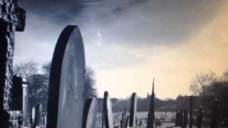 """video-upoutávka na knihu hororových povídek """"Mrtví se přicházejí někdy rozloučit"""""""