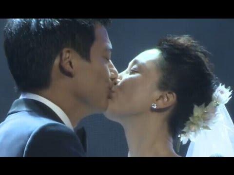 婚礼全程直击 周迅披婚纱与高圣远Archie David Kao结婚 交换戒指后深情拥吻